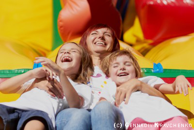 <summer_fun_relaxing_123rf.jpg>